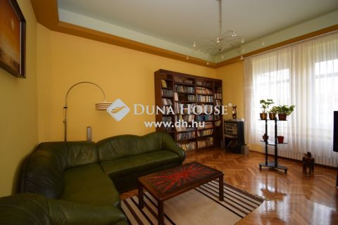 Eladó Ház, Zala megye, Zalaegerszeg - Belvárosi családi ház, akár irodának, rendelőnek