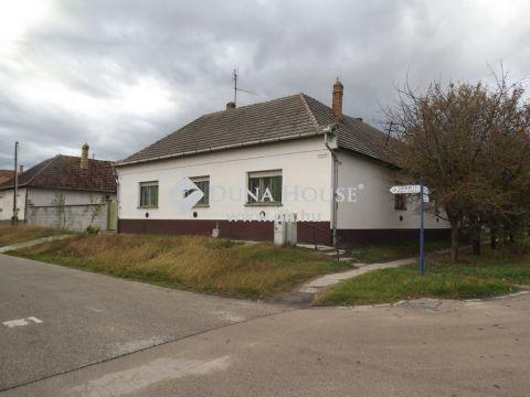 Eladó Ház, Bács-Kiskun megye, Harta