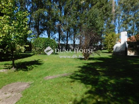 Eladó Ház, Bács-Kiskun megye, Kecskemét - Ladánybenei úton fiatal építésű luxusház