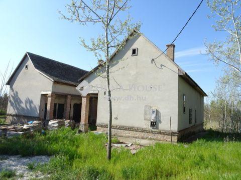 Eladó Ház, Bács-Kiskun megye, Felsőlajos - Almási Kastély