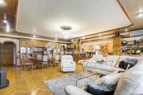 Eladó Ház, Budapest - REPREZENTATÍV CÉGKÖZPONTOT KERES? TÖBB GENERÁCIÓVAL KÖLTÖZNE?