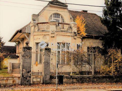 Eladó Ház, Bács-Kiskun megye, Kecskemét - Villanegyed