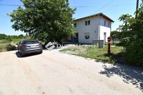 Eladó Telek, Bács-Kiskun megye, Kecskemét - 797m2-es közművesített építési telek a Vacsiközben