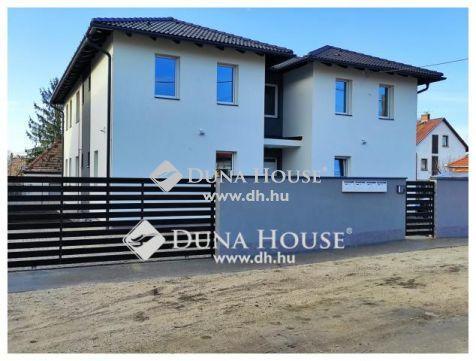 Új építésű 4 lakásos ház Postástelepen