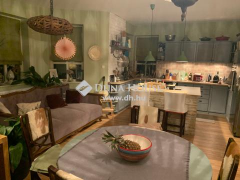 Eladó Ház, Fejér megye, Gárdony - csendes környezetben impozáns családi ház