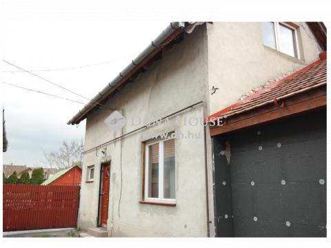 Eladó Ház, Budapest - Soroksár központjában két ház eladó egy udvarban