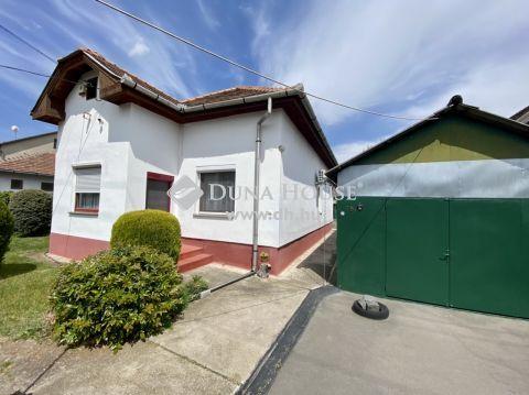 Eladó Ház, Budapest - Újpéteritelepen, 97 nm-es ház, 732 nm-es telekkel