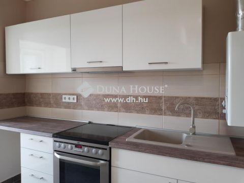 Eladó Lakás, Baranya megye, Pécs - Mecsekoldalon felújított másfél szobás lakás