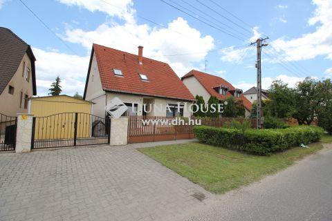 Eladó Ház, Bács-Kiskun megye, Kecskemét - Petőfivárosban nappali + 4 szobás ház