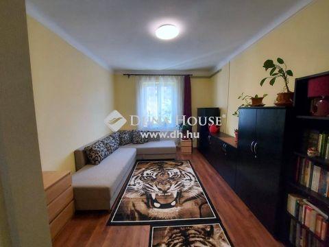 Eladó Lakás, Budapest - Felújított, 2 szoba, jó közlekedéssel