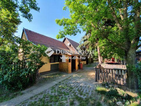 Eladó Ház, Bács-Kiskun megye, Kecskemét - 60 nm-es ház 762 nm önálló telken a Hunyadiban
