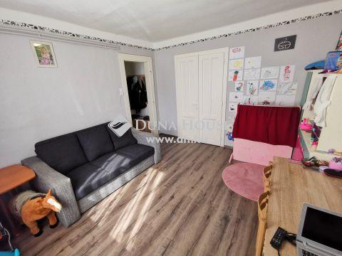Eladó Lakás, Veszprém megye, Veszprém - otthonos kétszobás